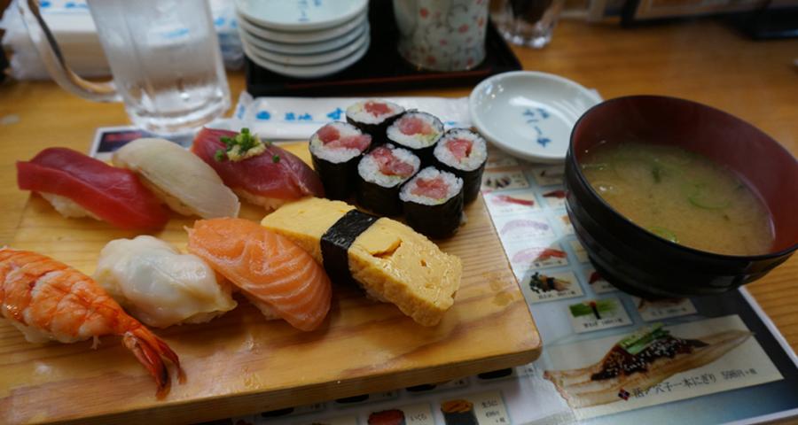 Travel – Le marché de Tsukiji, le meilleur endroit du monde pour manger des sushis